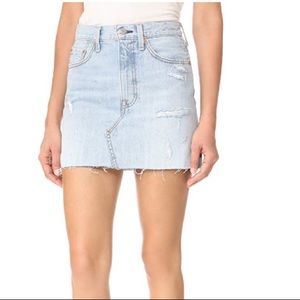Levi's highwaisted denim skirt size 29